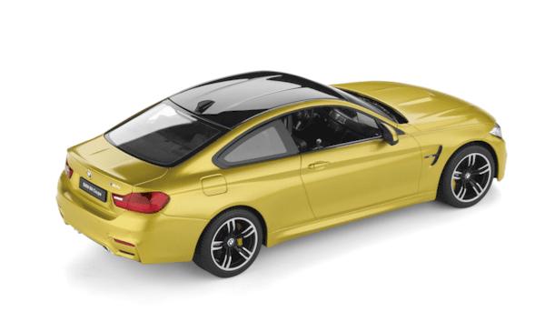 BMW M4 купе мини модел